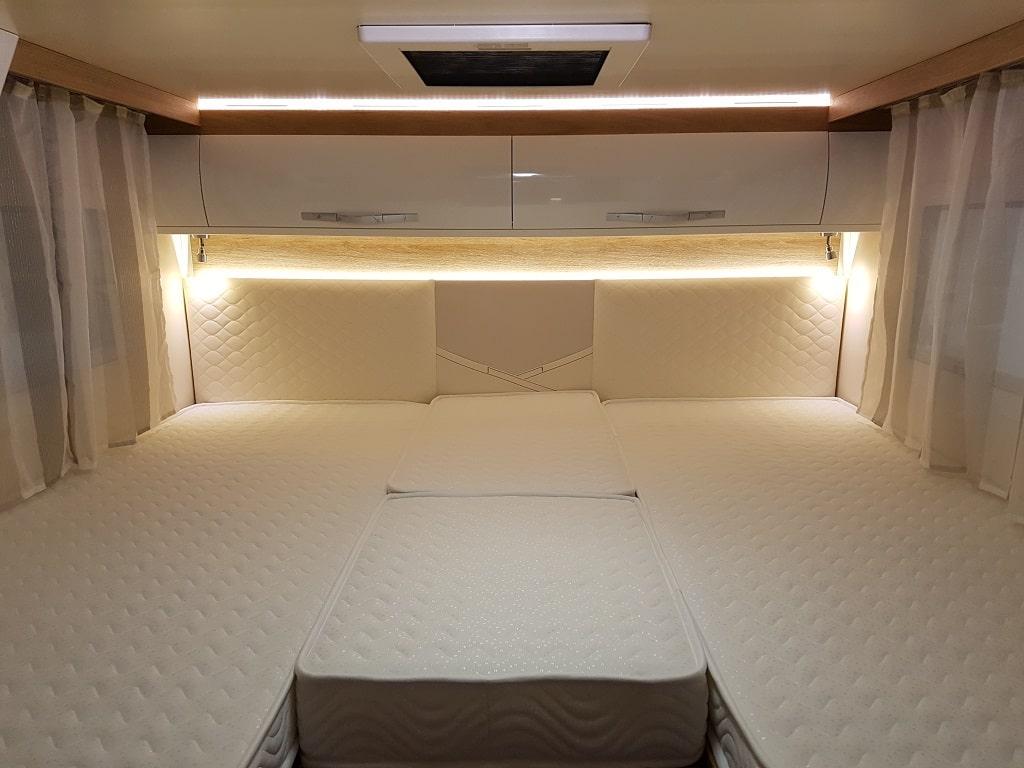Kronos 284 TL Wohnmobil Bett-min