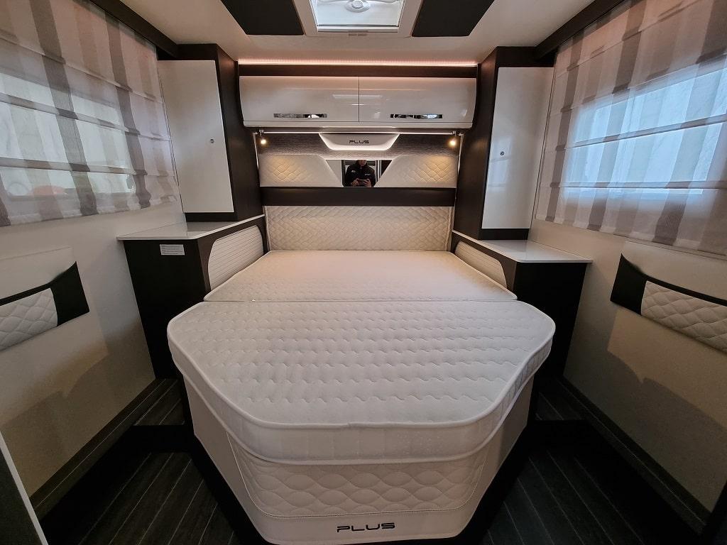 Kronos 265 TL Bett hinten-min