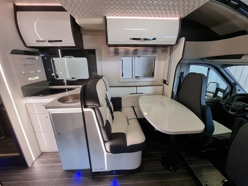 Wohnmobil Kronos 265 TL Wohnbereich-min
