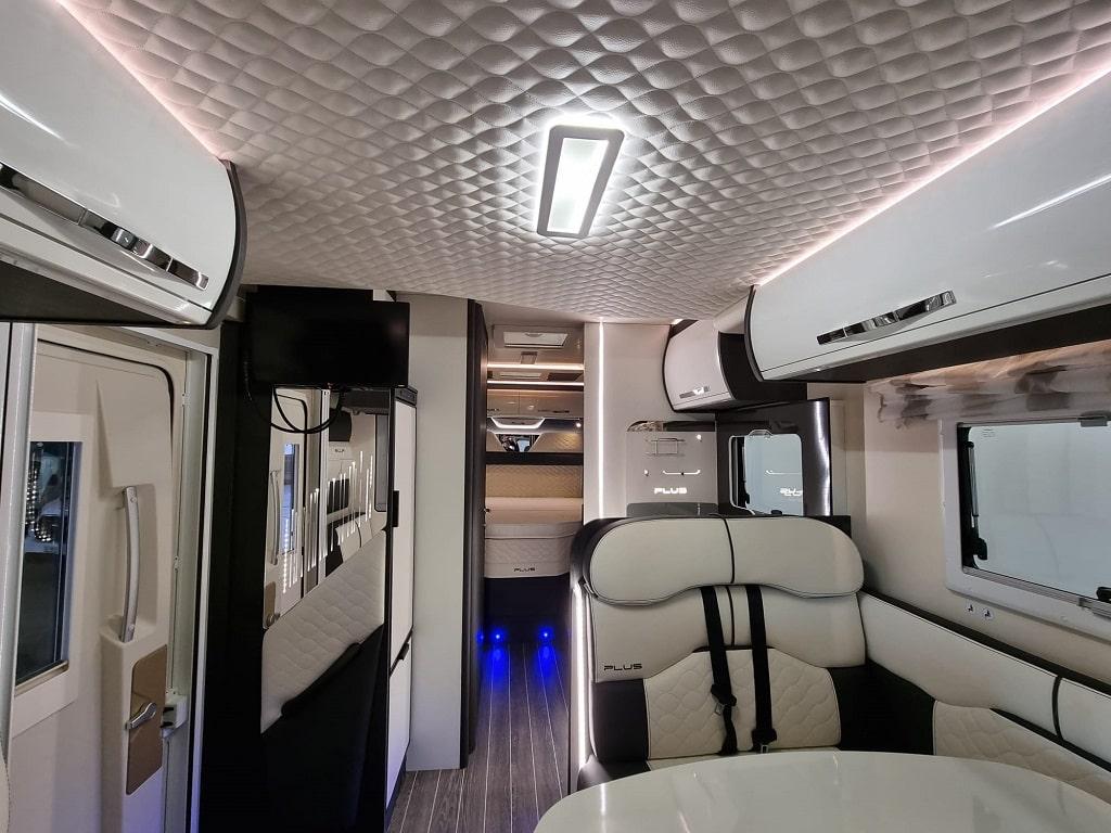 Wohnmobil Kronos 265TL Wohnraum-min